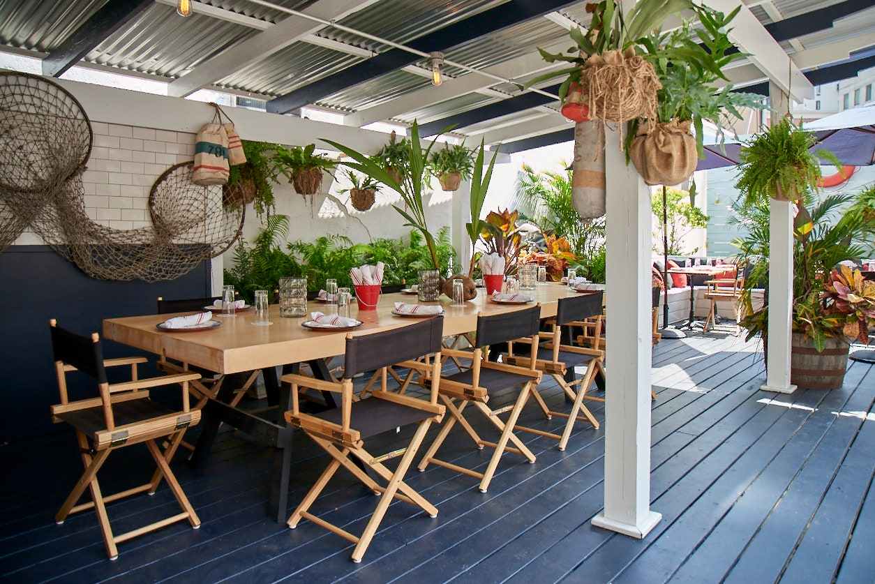 tropical-restaurants-and-bars-04.jpg